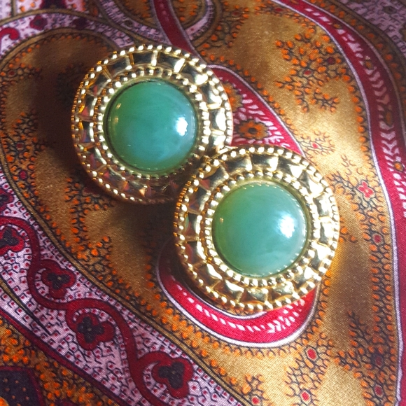 FREE Gift w Any Bundle Clip on Costume Earrings